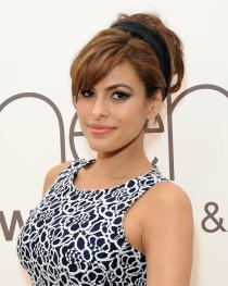 Eva-Mendes-Hair-Accessories