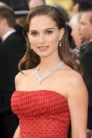 Natalie-Portman-Beautiful-Close-Up-Women-200x300